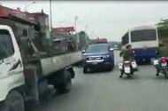 """Tin trong nước - Bị truy đuổi, xe vi phạm """"làm loạn"""" trên quốc lộ"""