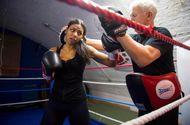 Thể thao - Cô gái Hồi giáo mê Lý Tiểu Long, giấu gia đình chuyện tập võ và trở thành nhà vô địch thế giới