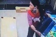 Video-Hot - Người phụ nữ đột nhập vào cửa hàng nẫng laptop nhanh như chớp