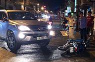 Tin trong nước - Bị truy đuổi, xe 7 chỗ gây tai nạn liên hoàn