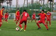 Thể thao - U20 Việt Nam được làm quen sân đấu bằng cách... nhìn ngắm