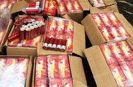 Kinh doanh - Xe khách biển số Lào vận chuyển nửa tấn pháo nổ, 3m3 gỗ lậu