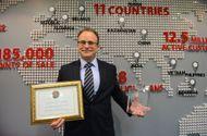 Thị trường - Home Credit nhận 2 giải thưởng của Global Banking & Finance