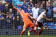 """Bóng đá - """"Xơi"""" 2 thẻ đỏ, Chelsea thất bại cay đắng trước đội chiếu dưới trong ngày mở màn mùa giải"""