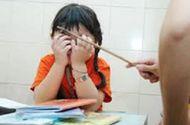 Giáo dục - Bé gái 8 tuổi bị cô giáo đánh tím người vì quên làm bài tập