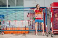 """Tin tức giải trí - Đã mắt với street style đầy màu sắc của """"Hoa hậu The Face"""" Tường Linh"""
