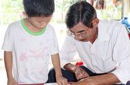 Tin tức - Mới đầu năm học, phát hiện ba học sinh lớp 2 của trường chuẩn quốc gia không đọc được chữ