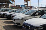 """Tin tức - Cận cảnh 700 xe sang của """"gã khổng lồ"""" BMW đang phủ bụi tại cảng"""