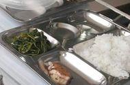 Tin tức - Sự thật thông tin bữa ăn 19.000 đồng của trẻ tiểu học chỉ có miếng cá nhỏ và rau xào
