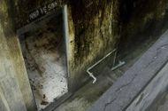 Tin tức - Nhà trường thu 121 triệu tiền dọn vệ sinh, học sinh vẫn phải nhịn tiểu vì bẩn