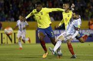 Tin tức - Messi tỏa sáng với cú hat-trick, Argentina giành vé dự World Cup 2018