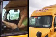 """Video-Hot - Video: Tài xế container lái xe bằng chân qua cầu """"tử thần"""""""
