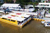 Tin tức - Ngày đầu vận hành buýt sông, người Sài Gòn háo hức xếp hàng trên bến Bạch Đằng
