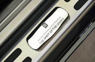 """Tin tức - Chiêm ngưỡng Rolls-Royce Wraith phiên bản """"độc"""" kỉ niệm quốc khánh UAE"""