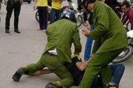 Hai cảnh sát bị thương khi khống chế đối tượng bắt cóc trẻ em