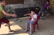 Tin tức - Màn nhổ răng bằng xe máy có 1-0-2 của hai cha con Ninh Bình