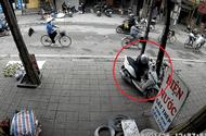 Tin tức - Clip: Thanh niên bịt mặt, bẻ khóa trộm xe tay ga trong 5 giây