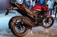 Cận cảnh mẫu xe - X-Blade mới ra mắt của Honda