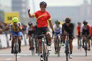 Tin tức - Nguyễn Thị Thật giành HCV châu lục đầu tiên trong lịch sử làng xe đạp nữ Việt Nam