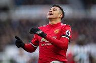 Tin tức - Kết quả bóng đá Ngoại hạng Anh vòng 27: M.U thua sốc, Liverpool áp sát