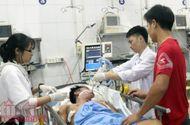 Mùng 4 Tết: 35 vụ tai nạn giao thông, bệnh viện căng mình cấp cứu