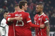 Tin tức - Clip Bayern Munich 5-0 Besiktas: Lợi thế hơn người, Hùm xám thắng dễ