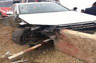 Tin trong nước - Va chạm liên hoàn giữa xe khách và 2 xế hộp, 1 phụ nữ bị thương nặng