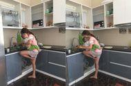"""Sản phẩm - Dịch vụ - Lộ diện cuộc sống mẹ bỉm sữa gác chân giữ con để nấu ăn """"bá đạo"""""""