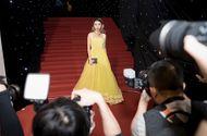 """Tin tức - """"Soi"""" trang phục của nghệ sĩ Việt trong ngày đầu tiên tuần lễ thời trang quốc tế"""