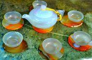 Cận cảnh bộ ấm trà có giá 30 triệu đồng