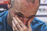 Tin tức - Chính thức xác nhận chia tay Barcelona vào cuối mùa, Iniesta rơi lệ
