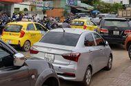 """Tin tức - Hơn 1.000 taxi """"ồ ạt"""" theo nhau ra đảo ngọc Phú Quốc"""