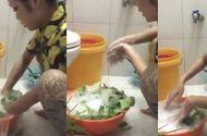 Tin tức - Video: Cô gái hồn nhiên rửa rau bằng xà phòng và khẳng định mẹ dạy thế