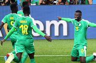 """Senegal đánh bại Ba Lan trong trận đấu mà Lewandowski """"tàng hình"""""""