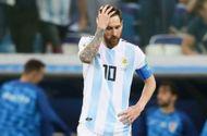 """Messi """"đảo chính"""",  đòi """"trảm"""" huấn luyện viên trưởng Argentina"""