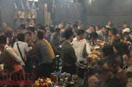 """Tin tức - Đột kích bar Đông Kinh, hàng trăm """"dân chơi"""" nháo nhào thoát thân"""