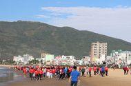 """Môi trường - Sôi động chiến dịch """"Hãy làm sạch biển từ trong ý thức cộng đồng"""" lớn nhất Quy Nhơn 2018"""