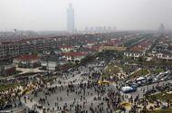Nợ nần nhấn chìm biểu tượng thịnh vượng số 1 của Trung Quốc