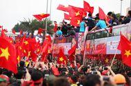 HLV Park Hang Seo hé lộ điều bất ngờ trên chuyến xe buýt diễu hành của U23 Việt Nam