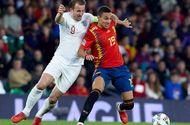 """Đánh bại Tây Ban Nha, """"Tam sư"""" vươn lên vị trí đầu bảng"""