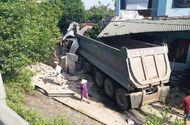 Tin tức - Nghệ An: Xe đầu kéo mất lái lao vào nhà dân, chủ nhà bị thương nặng phải nhập viện