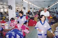 Sự thật về một tập đoàn may mặc - Phần 1: Khổ tận cam lai