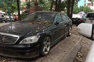 Góc xót của: Xế sang Mercedes 10 tỷ phủ bụi trên phố Hà Nội hàng tháng trời