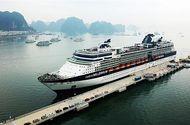 Cần biết - Cảng tàu khách du lịch quốc tế Hạ Long lần đầu đón hai tàu 5 sao neo đậu cùng lúc