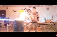 Tin tức giải trí - Rapper Việt gây phẫn nộ khi tự ý đốt sách vở học sinh khi đến trường quay MV