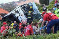 Tin thế giới - Lật xe buýt chở khách du lịch tại Bồ Đào Nha, gần 30 người thiệt mạng