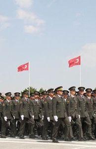 Thế giới - Căng thẳng Syria tăng cao, Thổ Nhĩ Kỳ duyệt binh