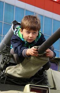 """Thế giới - Ngắm """"rùa thép"""" Nga tại triển lãm vũ khí Omsk"""