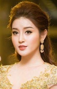 - Dẫn đầu bình chọn nhóm, Á hậu Huyền My lọt top những hoa hậu đẹp nhất thế giới năm 2017