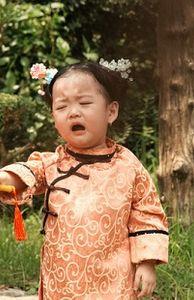 - Mê Diên Hi công lược, mẹ hóa trang cho con gái thành Ngụy Anh Lạc khiến dân mạng